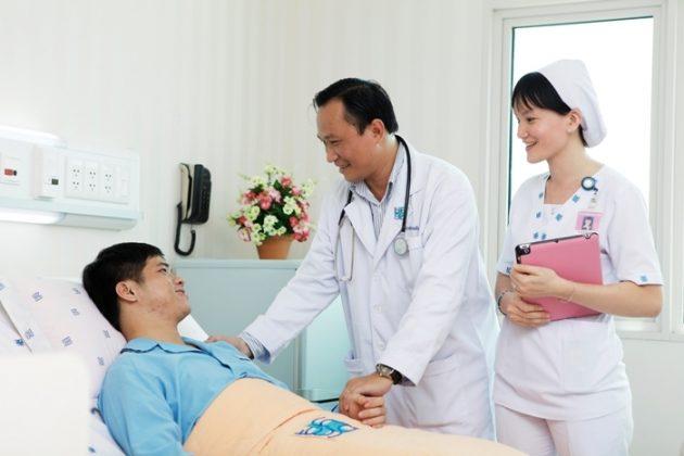 Chiếc áo blouse trắng – hình ảnh tượng trưng của ngành y tế