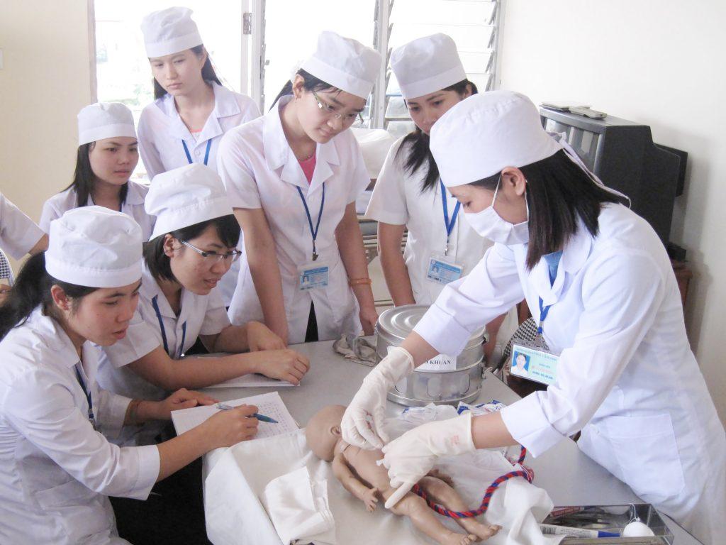 nghề điều dưỡng là gì