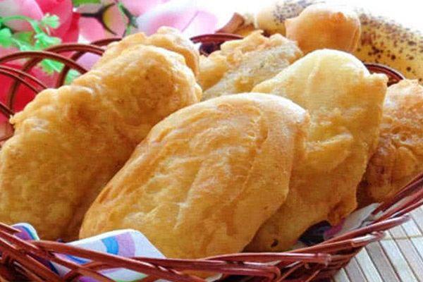 Từ bột mỳ có thể làm ra nhiều loại bánh nhân hoa quả khác nhau