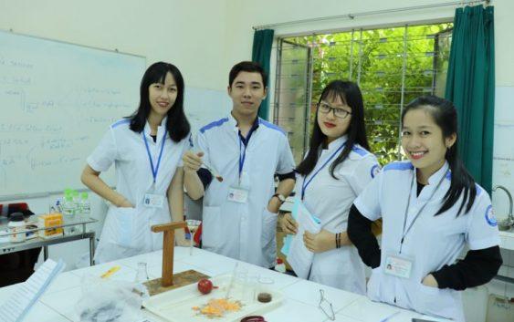 Trượt đại học có nên học Cao đẳng Dược Phạm Ngọc Thạch không?